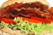 BST (Bacon Sla en Tomaten) of in het Engels BLT Bacon Lettuce + Tomatoes recept