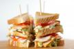 Mini-clubsandwich met gerookte kip en avocado recept