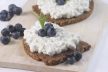 Brood met cottage cheese en walnoten recept