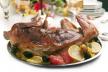 Konijn met salade van roodloof en chutney recept