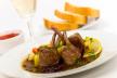 Lamsrack met gegrilde groenten en rozemarijnaardappeltjes recept