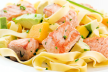Zalm met kappertjes-chilidressing recept