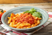 Pasta met tomaten tonijn en rucola recept