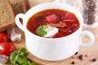 Pittige tomatensoep met gemberroom en omeletreepjes recept