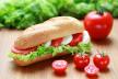 Sandwich met tomaat, mozzarella en basilicum recept