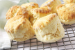 Scones met zalmtartaar voor high tea recept