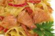 Gerookte zalm met tagliatelle in  pesto roomsaus recept
