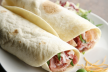 Wrap met room-notenkaas en rucola recept