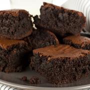 Chocolade brownies met echte stukjes chocolade