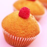 Mini cupcake met frambozen