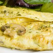 Dadar Tjampoer (gevulde omelet)