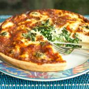 Broodschotel met spinazie en paprika recept