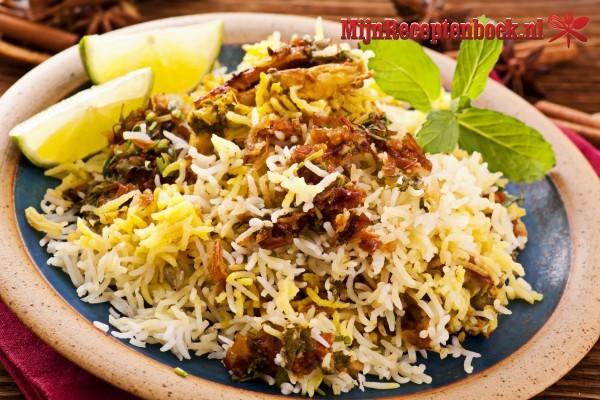 Biryani (rijst met heet gekruid vlees)