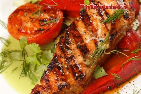 Dorade met tomaten-basilicumsaus