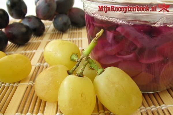Kalkoenfilets met kerriesaus,rozijnen en druiven