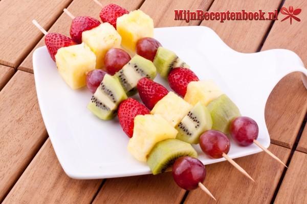 Gemengde fruitspiesjes