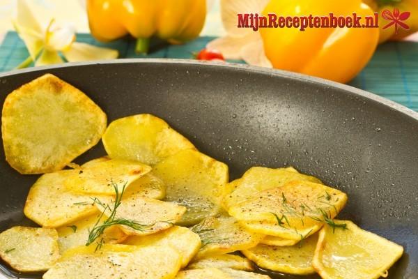 Gebakken aardappelen met warme specerijen