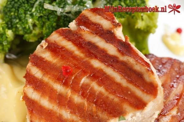 Gegrilde tonijn met tomatenboter