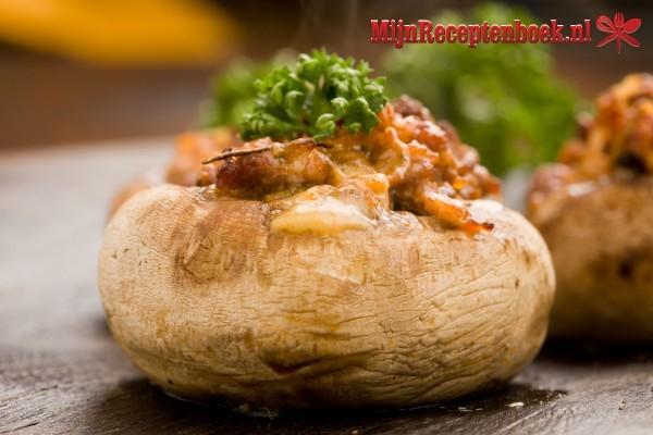 Gevulde portobello met rundergehakt, prei , sjalotjes en knoflook