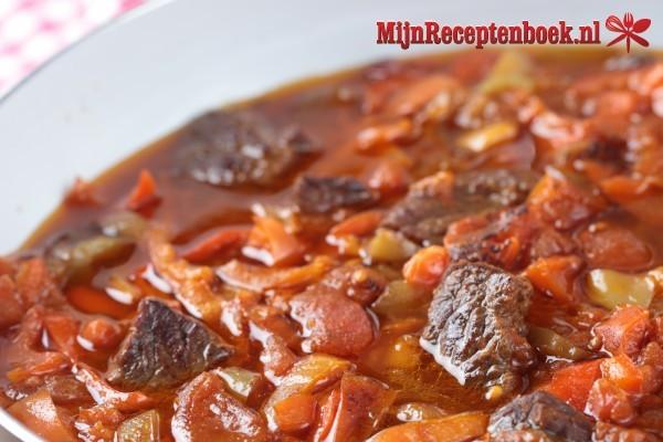 Hongaarse Goulash Maken Het Volledige Recept