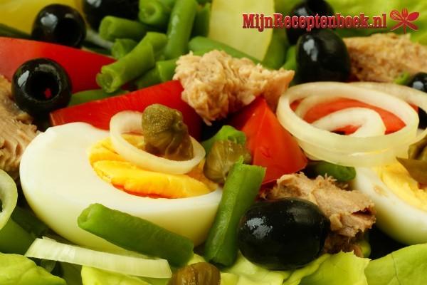 Italiaanse salade met kappertjes