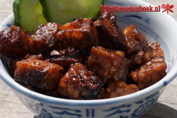 Balado Dendeng hijau (krokant gebakken rundvlees met sambal)