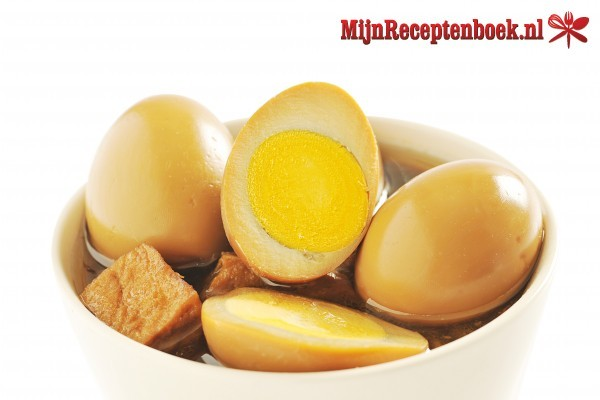 Pindang Telor (gekookte eieren in sausje)
