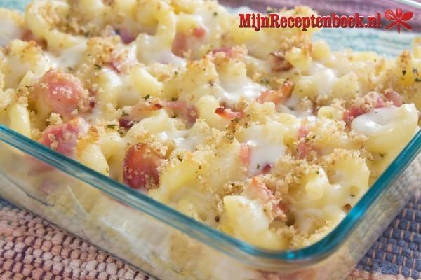 Macaroni met ham en kaas de luxe