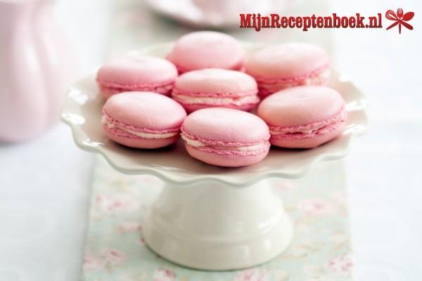 Macarons met frambozen