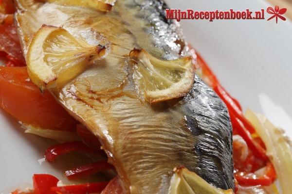 Ikan Panggang Dibumbui Dengan Manis Dan Assam (makreel in zoet zure saus)
