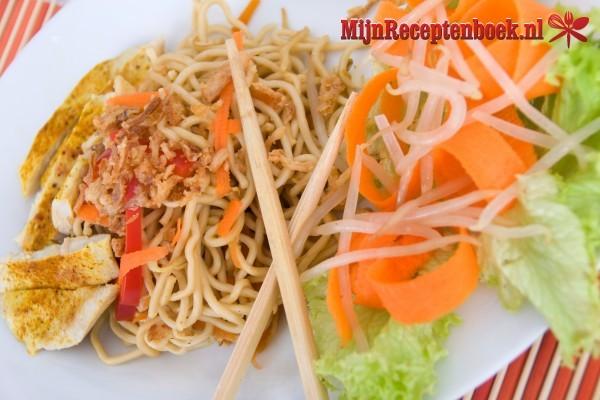 Mihoen met kip en groente recept