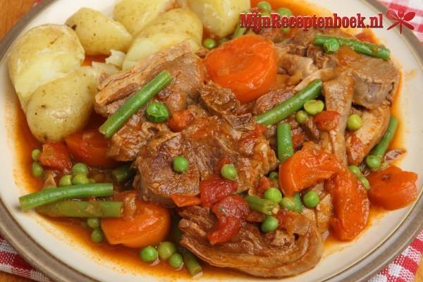 Navarin (stoofpotje van lams- of schapenvlees)