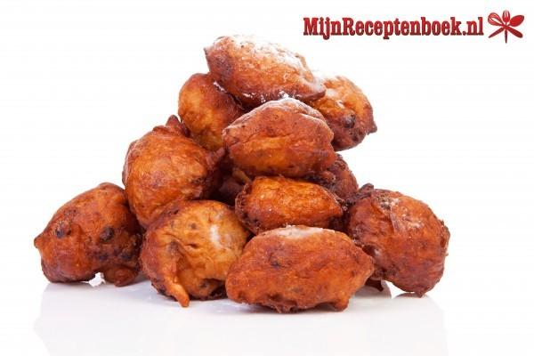 Oliebollen met abrikoos en noten