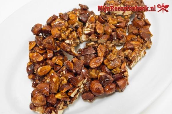 Kacang kokos (gebakken pinda's, kokos en kruiden)