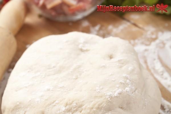 Pizzadeeg - basisrecept recept