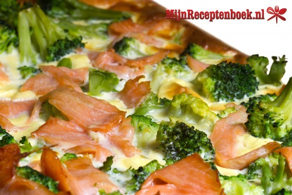 Zalm broccoli schotel (675 kcal)