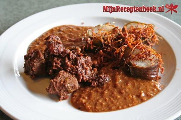 Ajam Rendang hati ampela (kippenlever en maagjes in kokossaus)