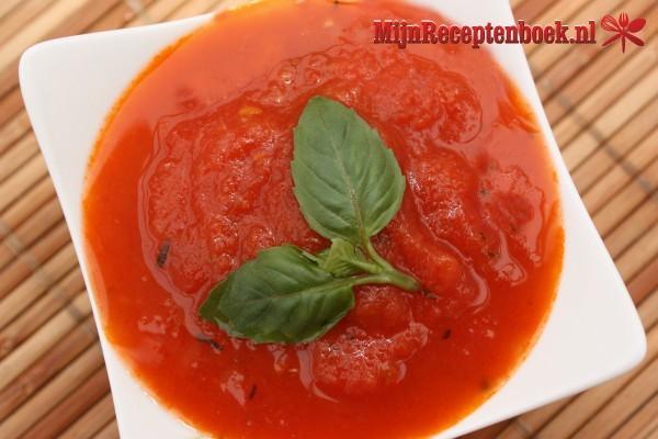 Rosbief met pesto en tomatencoulis