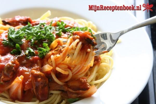 Spaghetti met Rietjes groentensaus en vegetarisch fijngehakt