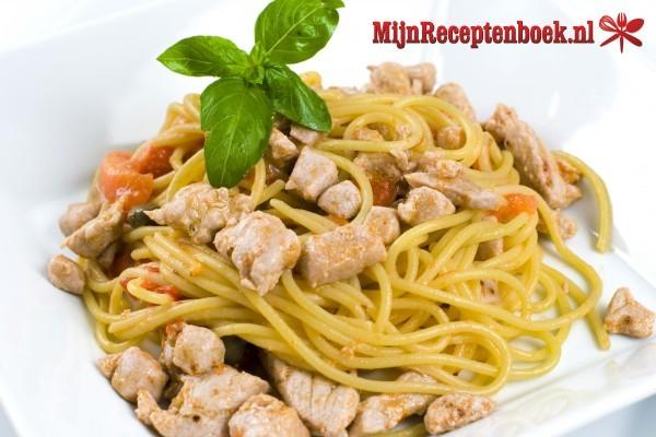 Spaghetti met tonijnsaus