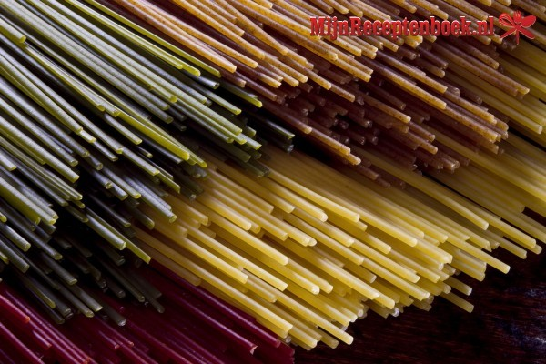 Spaghetti met tomatensaus recept