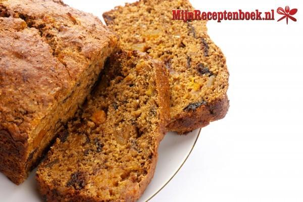Appel/notencake met vijgen