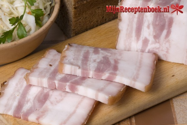 BBQ gemarineerd lamsspies met bacon en abrikoos