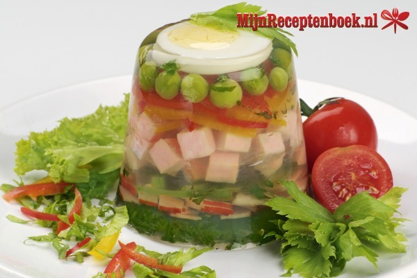 Asinan bogor (salade van vruchten en groenten)