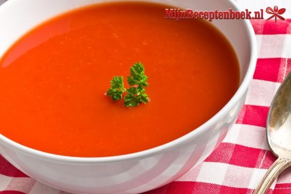 Tomaten-sinaasappelsoep