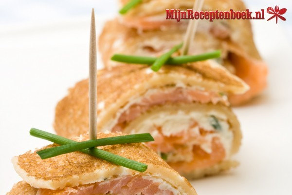 Flensjes spiesjes met spekjes en champignonnen