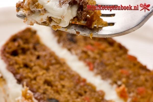 Carrot cake volgens BBC maar dan zonder walnoten (voor 26 cm springvorm)